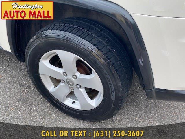 Used Jeep Grand Cherokee 4WD 4dr Altitude 2012 | Huntington Auto Mall. Huntington Station, New York