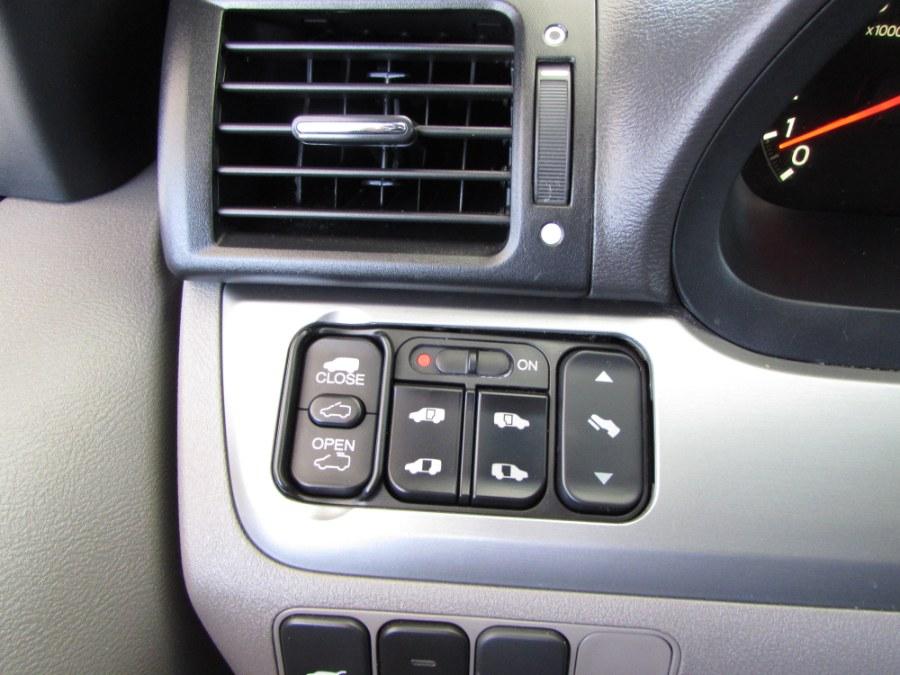 2010 Honda Odyssey Touring photo