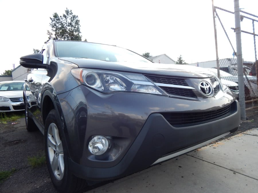 2014 Toyota RAV4 XLE photo