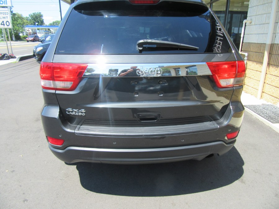 Used Jeep Grand Cherokee 4WD 4dr Laredo 2011 | Royalty Auto Sales. Little Ferry, New Jersey
