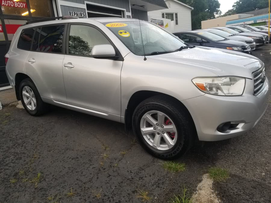 Used 2008 Toyota Highlander in Milford, Connecticut | Adonai Auto Sales LLC. Milford, Connecticut