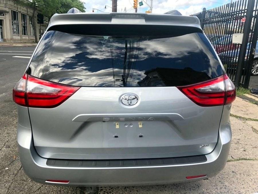 Used Toyota Sienna XLE Premium FWD 8-Passenger (Natl) 2020 | MFG Prestige Auto Group. Paterson, New Jersey