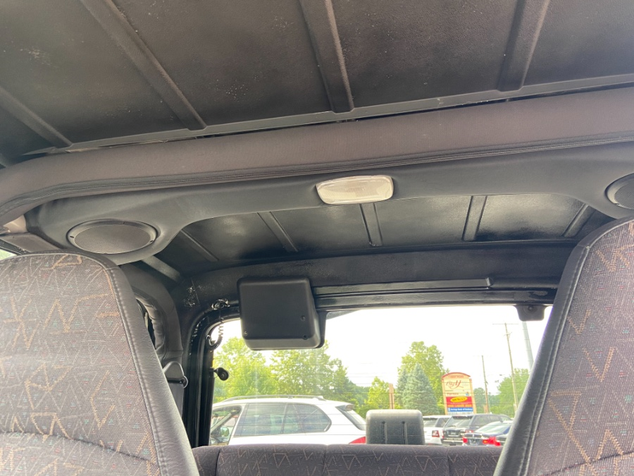 2002 Jeep Wrangler 2dr Sport, available for sale in New Milford, CT