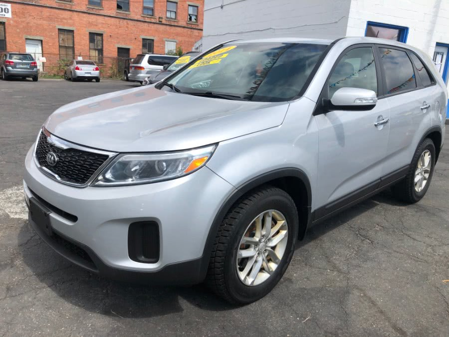 Used Kia Sorento 2WD 4dr I4 LX 2015 | Affordable Motors Inc. Bridgeport, Connecticut