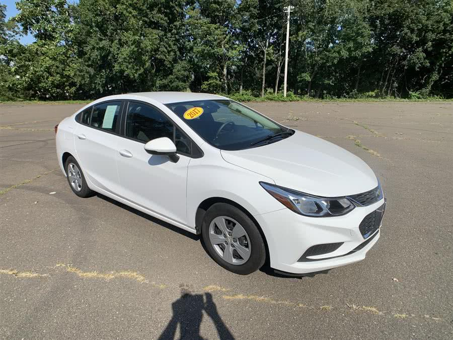 Used Chevrolet Cruze 4dr Sdn 1.4L LS w/1SB 2017 | Wiz Leasing Inc. Stratford, Connecticut
