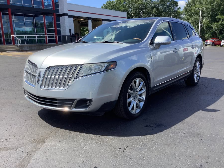 Used 2010 Lincoln MKT in Ortonville, Michigan | Marsh Auto Sales LLC. Ortonville, Michigan