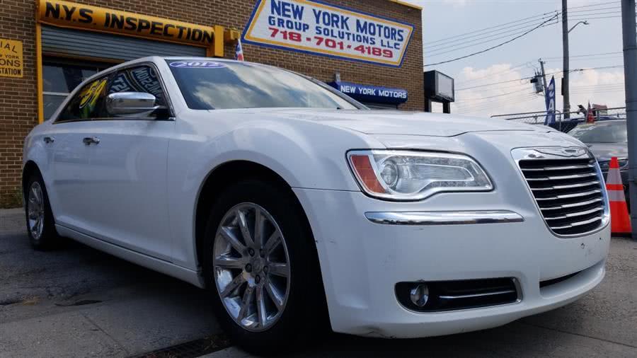 Used 2012 Chrysler 300 in Bronx, New York | New York Motors Group Solutions LLC. Bronx, New York