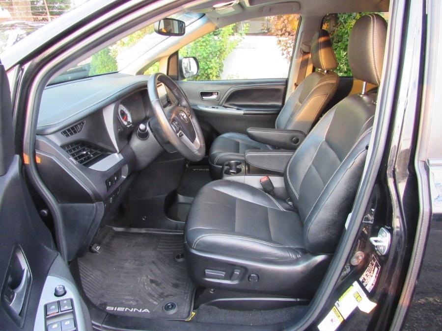Used Toyota Sienna SE Premium 8-Passenger (Natl) 2017 | Road Masters II INC. Middle Village, New York