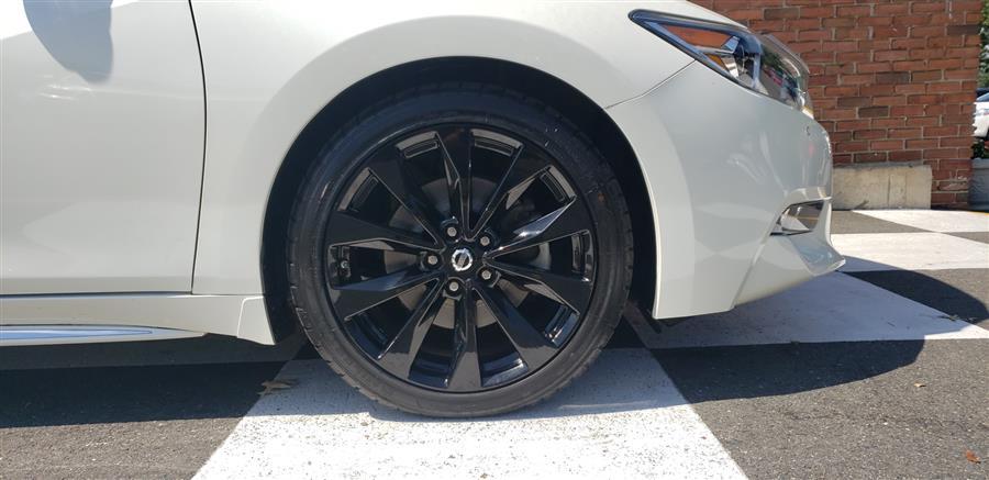 Used Nissan Maxima SR 3.5 2017 | National Auto Brokers, Inc.. Waterbury, Connecticut