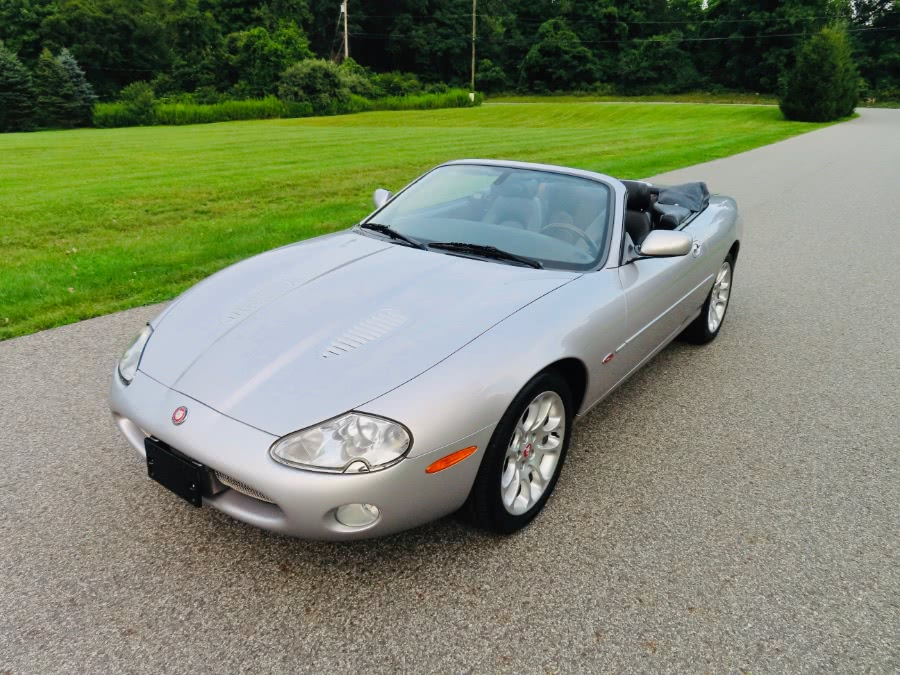 Used 2002 Jaguar XK8 in North Salem, New York | Meccanic Shop North Inc. North Salem, New York
