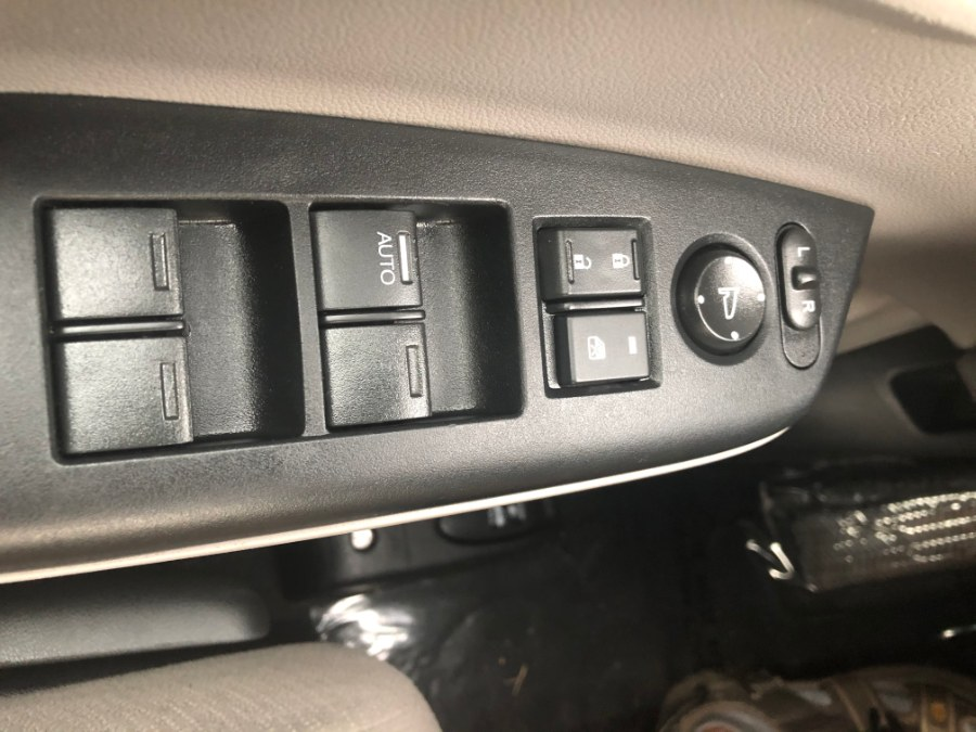 Used Honda Civic Sdn 4dr Auto LX 2013 | Bristol Auto Center LLC. Bristol, Connecticut