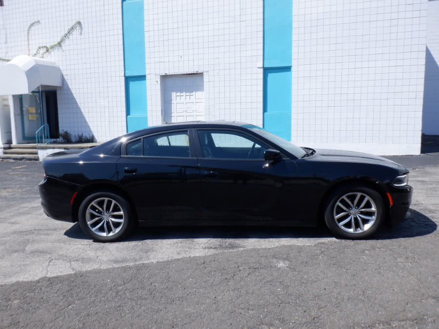 Used Dodge Charger 4dr Sdn SXT RWD 2015 | Dealertown Auto Wholesalers. Milford, Connecticut