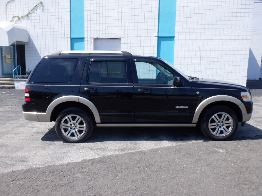 Used Ford Explorer 4WD 4dr V8 Eddie Bauer 2007 | Dealertown Auto Wholesalers. Milford, Connecticut
