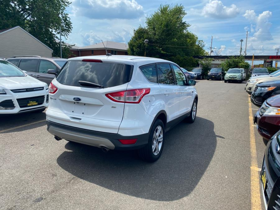 Used Ford Escape FWD 4dr SE 2016 | Victoria Preowned Autos Inc. Little Ferry, New Jersey