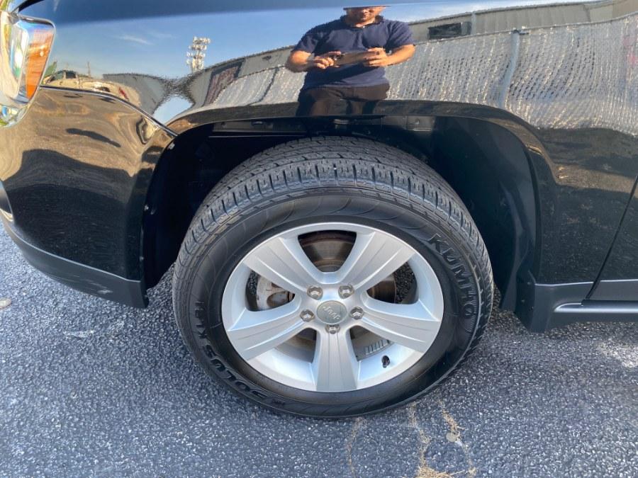 Used Jeep Compass Latitutde 4x4 2017   Carmatch NY. Bayshore, New York