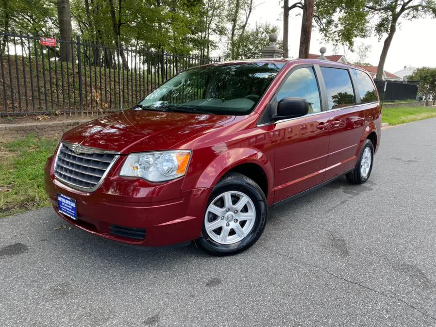 Used Chrysler Town & Country 4dr Wgn LX 2010 | Daytona Auto Sales. Little Ferry, New Jersey