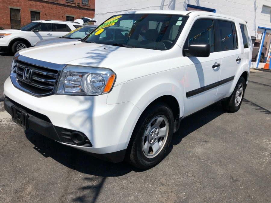 Used 2014 Honda Pilot in Bridgeport, Connecticut | Affordable Motors Inc. Bridgeport, Connecticut