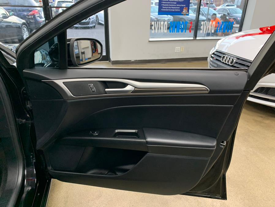 Used Ford Fusion SE FWD 2018 | 5 Towns Drive. Inwood, New York