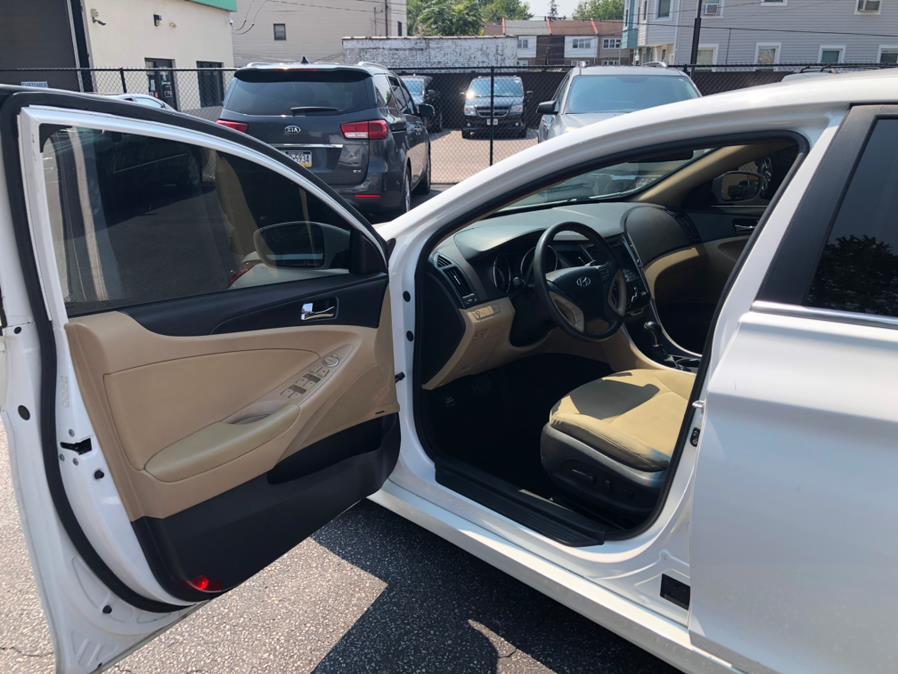 Used Hyundai Sonata 4dr Sdn 2.4L Auto GLS *Ltd Avail* 2011 | Eugen's Auto Sales & Repairs. Philadelphia, Pennsylvania