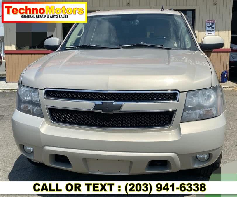 Used 2008 Chevrolet Suburban in Danbury , Connecticut | Techno Motors . Danbury , Connecticut