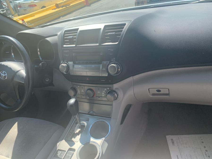 Used Toyota Highlander 4WD 4dr Base (Natl) 2008 | Atlantic Used Car Sales. Brooklyn, New York