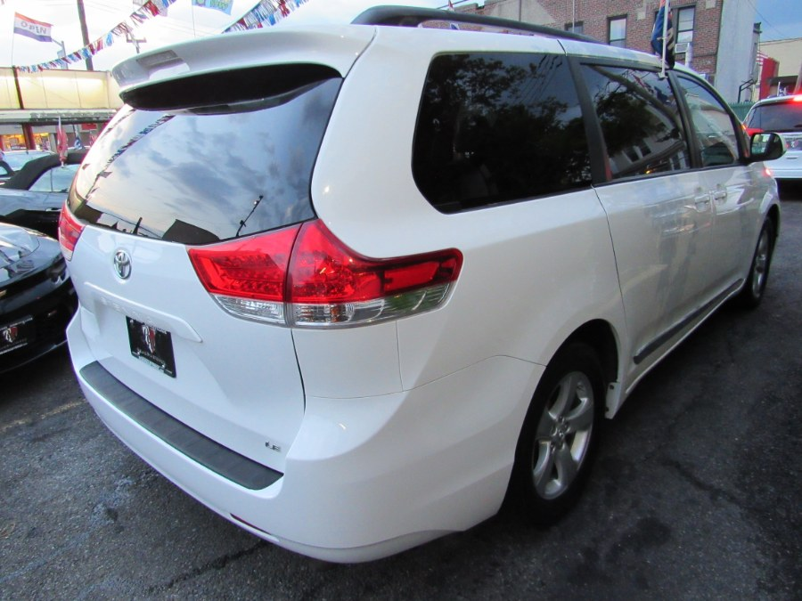 Used Toyota Sienna LE 7 Passenger 2014 | Road Masters II INC. Middle Village, New York