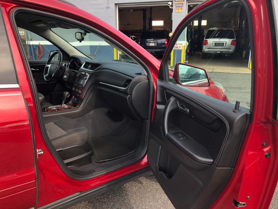Used Chevrolet Traverse AWD 4dr LT w/1LT 2013 | Eugen's Auto Sales & Repairs. Philadelphia, Pennsylvania