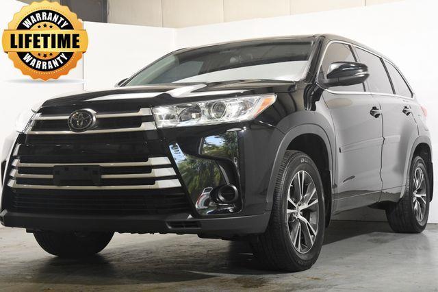 2017 Toyota Highlander LE Plus photo