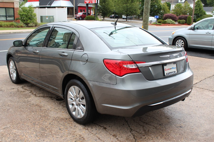 Used Chrysler 200 4dr Sdn LX 2013 | Carsonmain LLC. Manchester, Connecticut