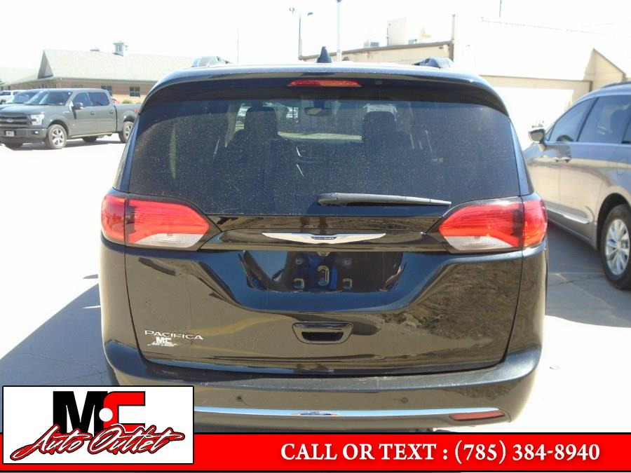 Used Chrysler Pacifica Touring L FWD 2019 | M C Auto Outlet Inc. Colby, Kansas