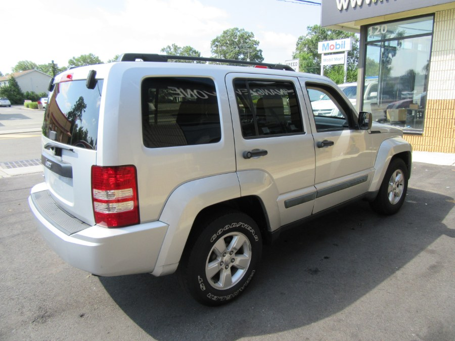 Used Jeep Liberty 4WD 4dr Sport 2010   Royalty Auto Sales. Little Ferry, New Jersey