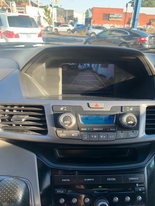 2011 Honda Odyssey EX-L w/DVD photo