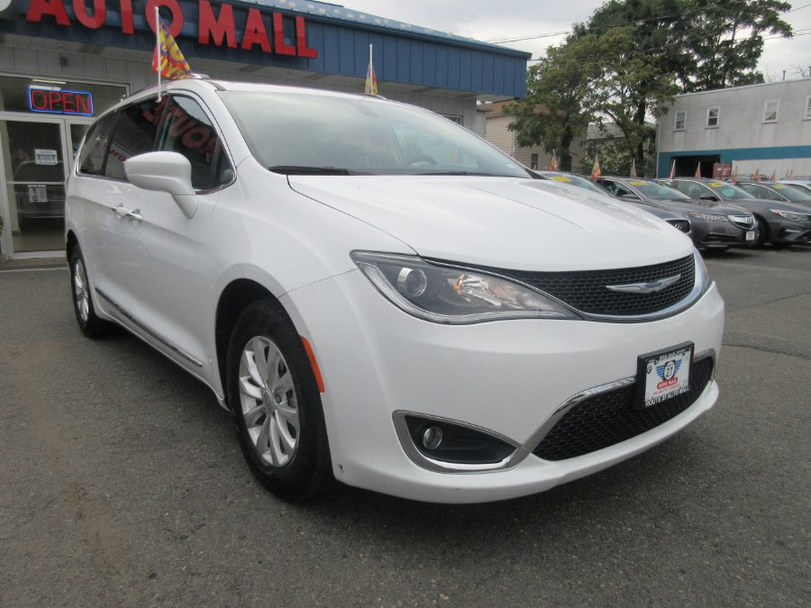 Used Chrysler Pacifica Touring L FWD 2019 | Route 27 Auto Mall. Linden, New Jersey
