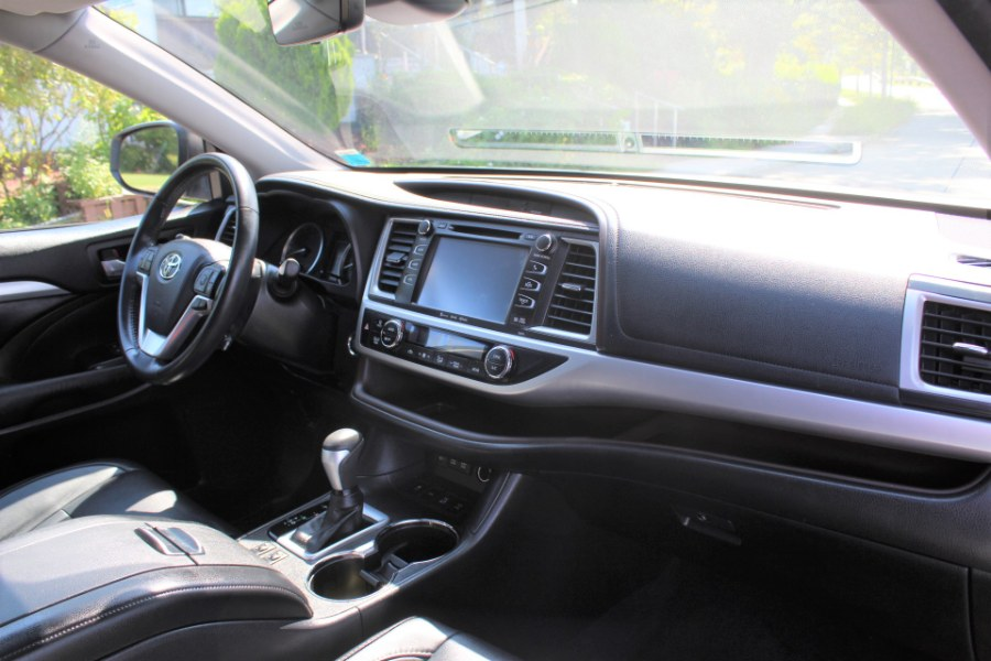 2017 Toyota Highlander XLE V6 AWD, available for sale in Great Neck, NY
