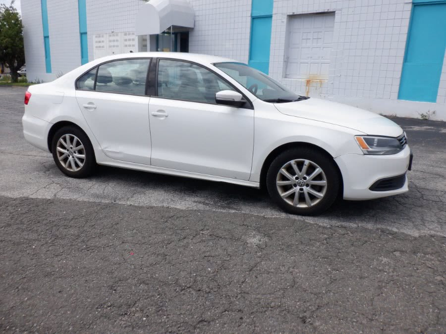Used 2012 Volkswagen Jetta Sedan in Milford, Connecticut | Dealertown Auto Wholesalers. Milford, Connecticut