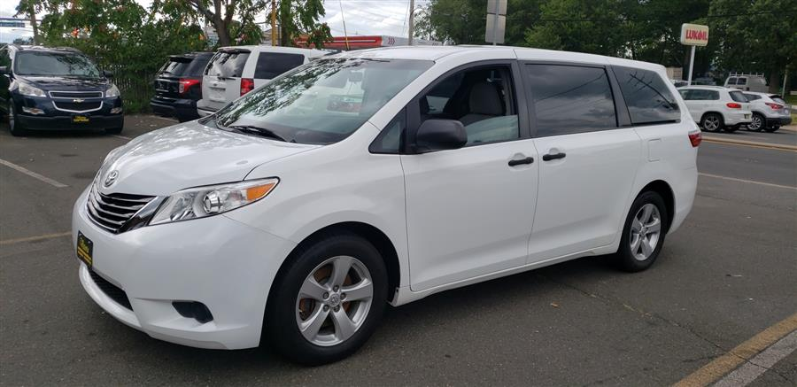 Used Toyota Sienna 5dr 7-Pass Van L FWD (Natl) 2015 | Victoria Preowned Autos Inc. Little Ferry, New Jersey