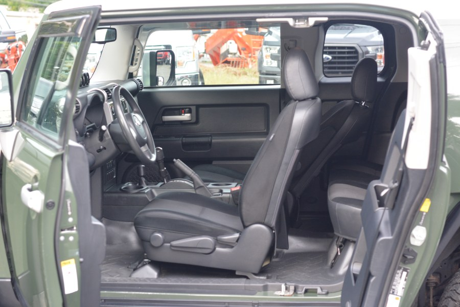 Used Toyota FJ Cruiser 4WD 4dr Auto 2010 | New Beginning Auto Service Inc . Ashland , Massachusetts