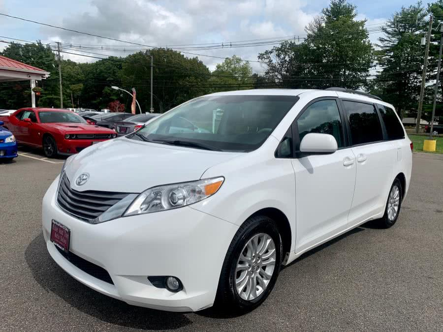 Used 2014 Toyota Sienna in South Windsor, Connecticut | Mike And Tony Auto Sales, Inc. South Windsor, Connecticut