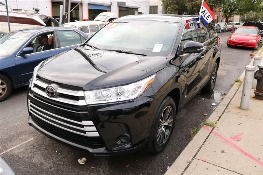 Used Toyota Highlander LE 4dr SUV (3.5L V6) 2019 | SJ Motors. Woodside, New York