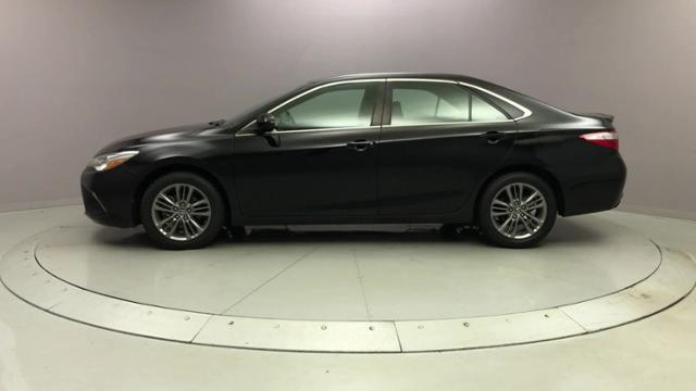 Used Toyota Camry SE Auto 2017 | J&M Automotive Sls&Svc LLC. Naugatuck, Connecticut