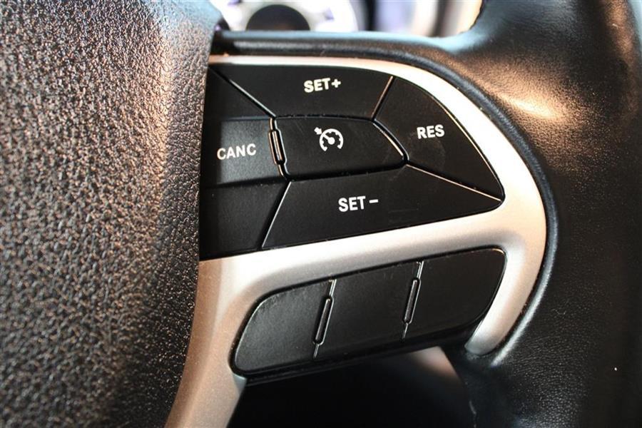 Used Jeep Cherokee LATITUDE PLUS 2018 | Fast Track Motors. Paterson, New Jersey