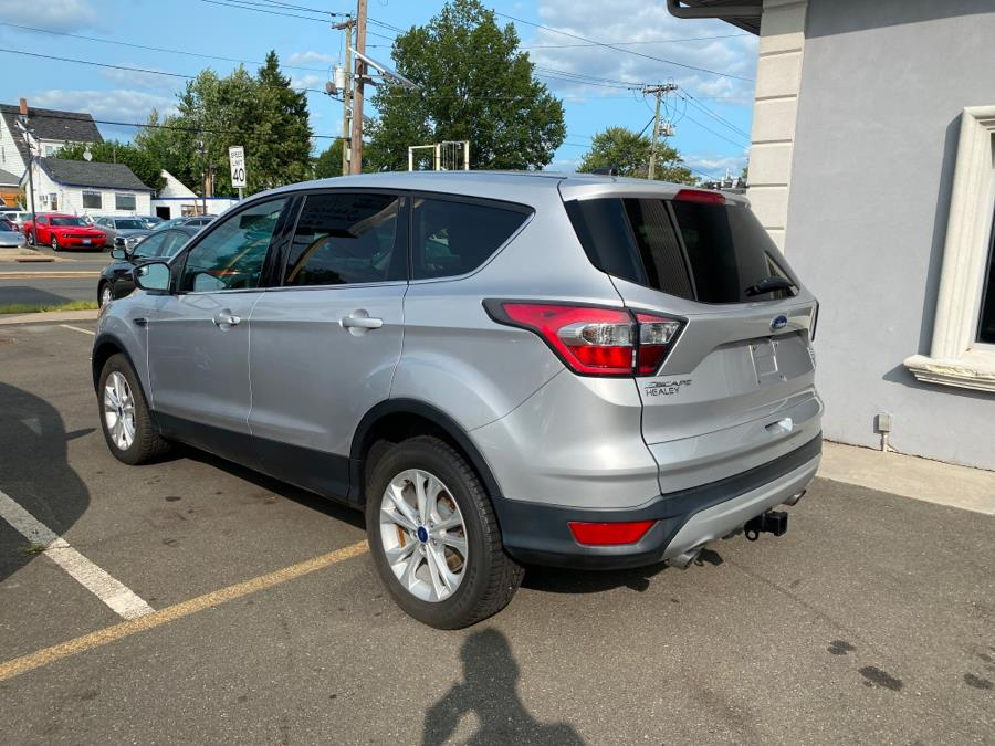 Used Ford Escape SE FWD 2017   Victoria Preowned Autos Inc. Little Ferry, New Jersey