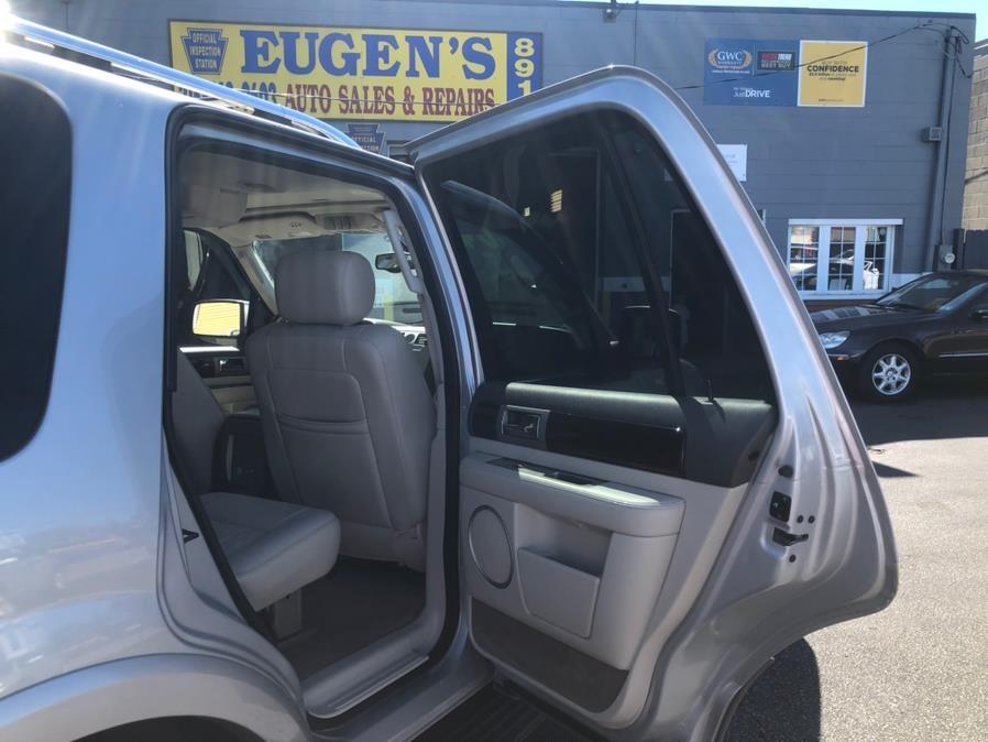 Used Lincoln Navigator 4dr 4WD Luxury 2004 | Eugen's Auto Sales & Repairs. Philadelphia, Pennsylvania