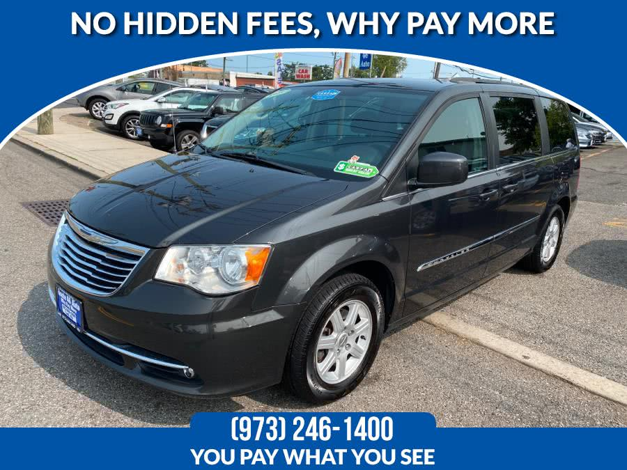 Used Chrysler Town & Country 4dr Wgn Touring 2011 | Route 46 Auto Sales Inc. Lodi, New Jersey