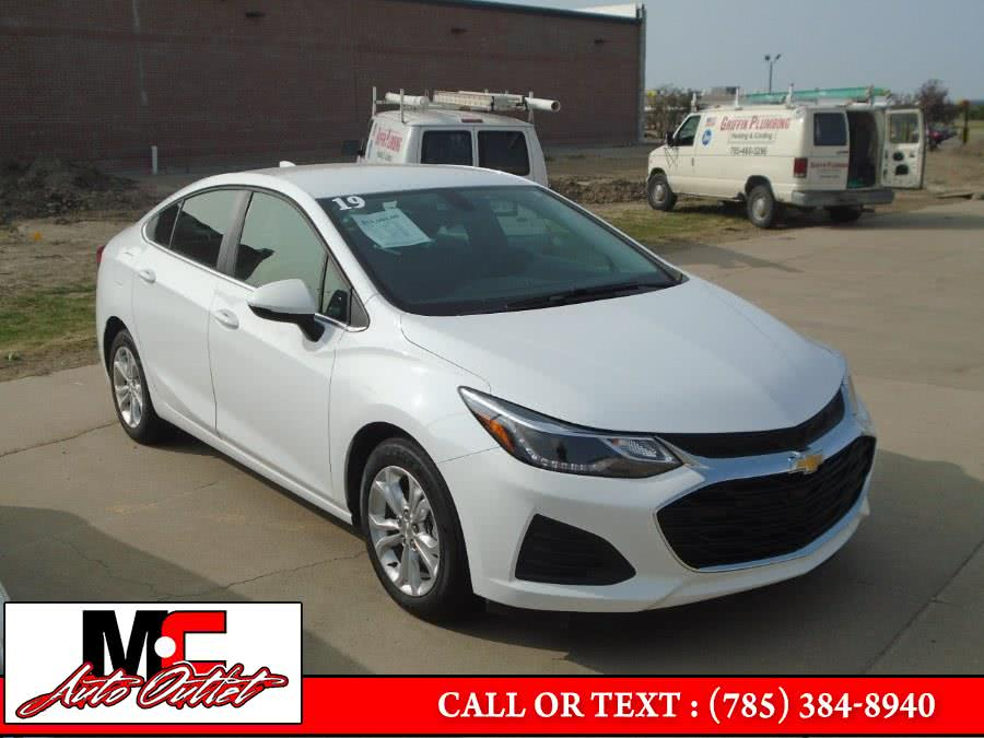 Used 2019 Chevrolet Cruze in Colby, Kansas | M C Auto Outlet Inc. Colby, Kansas