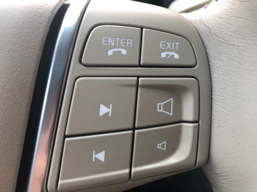 Used Volvo XC60 AWD 4dr 3.0T w/Moonroof 2011 | Bristol Auto Center LLC. Bristol, Connecticut