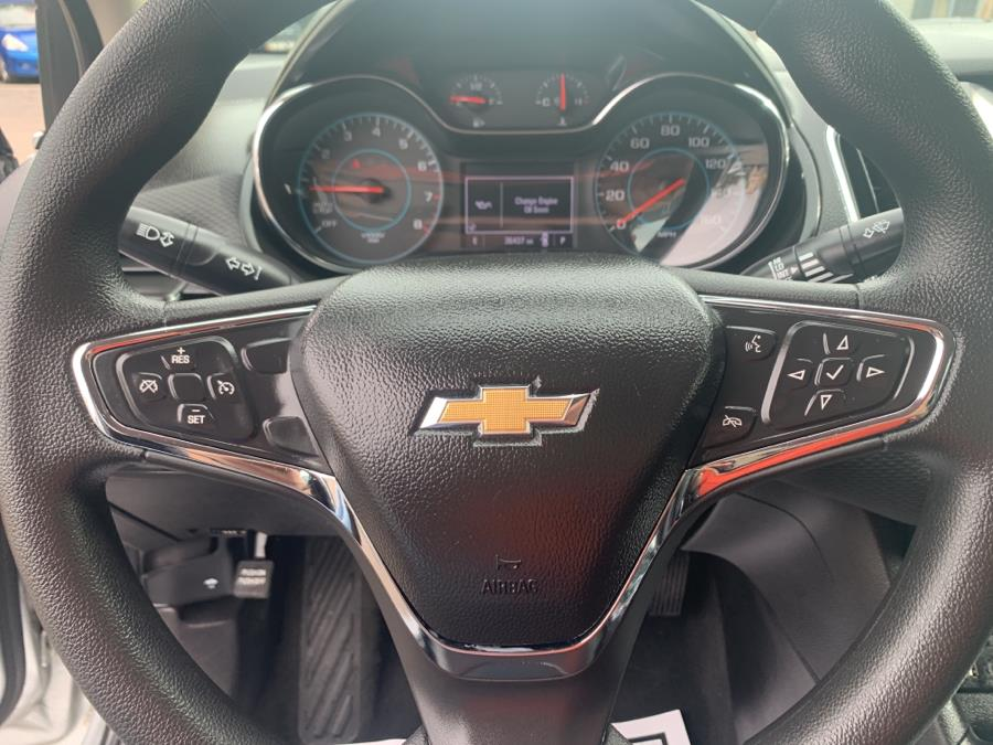 Used Chevrolet Cruze 4dr Sdn Auto LT 2017 | Auto Haus of Irvington Corp. Irvington , New Jersey