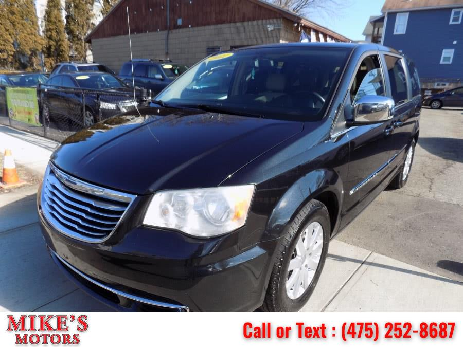 Used Chrysler Town & Country 4dr Wgn Touring-L 2011 | Mike's Motors LLC. Stratford, Connecticut
