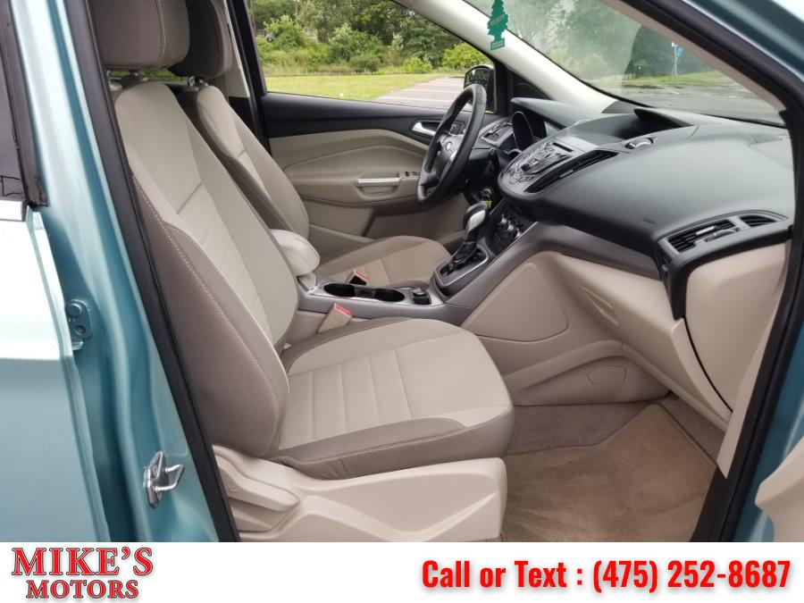 Used Ford Escape 4WD 4dr SE 2013 | Mike's Motors LLC. Stratford, Connecticut