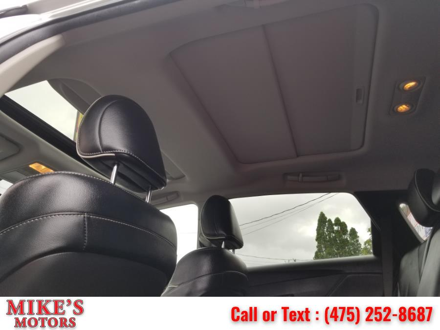 Used Toyota Venza 4dr Wgn V6 AWD Limited (Natl) 2013 | Mike's Motors LLC. Stratford, Connecticut